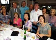 イタジャイー日伯協会の皆さん(前列一番左が梅木さん、後列左から本橋団長、佐藤さん、村中さん)