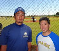 当地に派遣されている高丸さん(左)と中西部日伯協会の井沢会長(15日、カンポ・グランデで撮影)