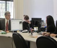 昨年4月24日にサンタカタリーナ州ジョインビレ地裁で行われた被告人尋問(右端が藤本被告)