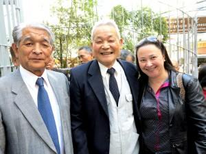 左から早川さん、永田さん、ナガノ市長