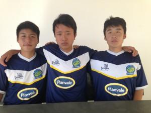 左から17歳以下チームの木下君、太田君、松下君