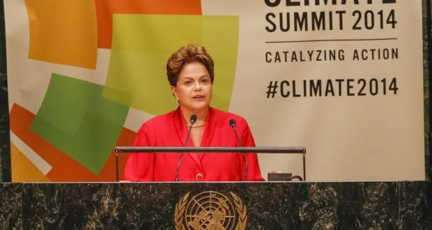 気候サミットで演説中のジウマ大統領(Roberto Stuckert Filho/PR)