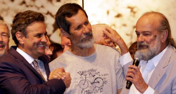 8日、アエシオ氏(左)を表明した、緑の党のエドゥアルド・ジョルジュ氏(中央)(Igo Estrela/Coligação Muda Brasil)