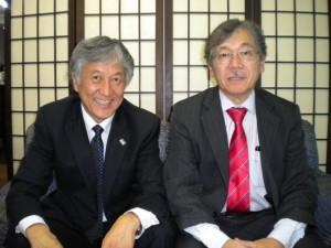 頃末理事長(左)と谷口実行委員長