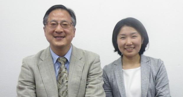 JICA横浜国際センターの小幡俊弘所長と市民参加協力課調査役の江本佐保子さん