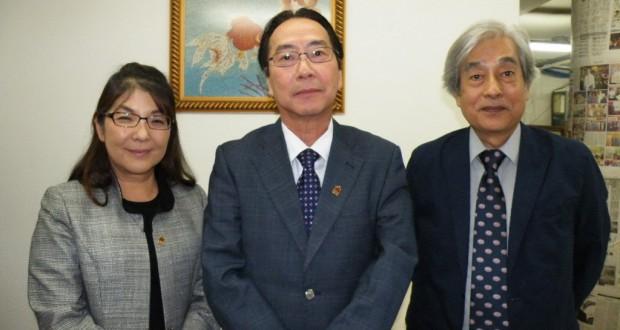 左からアマゾニア援協の成田アメリア専任書記、生田会長、堤副会長
