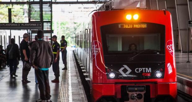 聖市と西部周辺都市を結ぶCPTM8号線(Edson Lopes Jr./A2 FOTOGRAFIA)