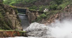 水不足で安定供給が難しくなりつつあるブラジルの水力発電所の様子(Foto: Diogo Moreira/A2 FOTOGRAFIA)