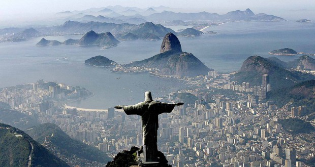 リオ市を見守るように立つキリスト像(Ricardo Stukert/Fotos Publicas)