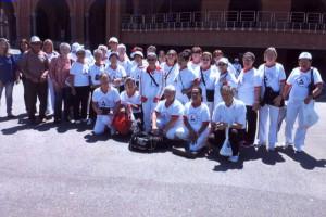 アパレシーダ大聖堂前で記念撮影