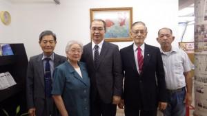 (左から)佐藤さん、会田さん、塩野さん、松浦さん、海藤さん