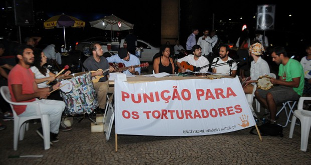 4月1日に行われた軍政反対のデモ(José Cruz/Agência Brasil)