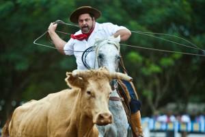2011年のフェスタ・デ・カンペイラ(牛飼い祭り)の様子(Foto Eduardo Seidl/Palacio Piratini)