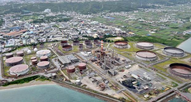 南西石油=2010年7月(提携紙=沖縄タイムス2015年3月28日)