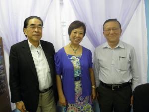 来社した(左から)広瀬部長、東副会長、片山会長