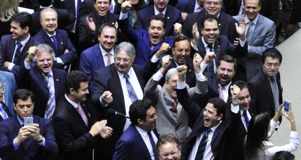 27日の下院の様子(Luís Macedo/Câmara dos Deputados)