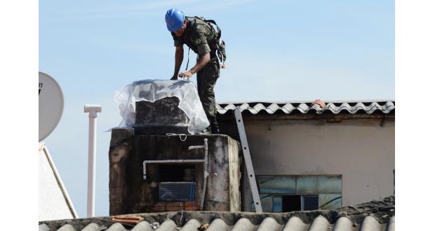 聖州カンピーナスでのデング熱拡大予防作戦に動員された陸軍兵(Carlos Bassan/Prefeitura de Campinas)