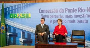 ジウマ大統領(右)とジョアキン・レヴィ蔵相(Foto: Roberto Stuckert Filho/PR)