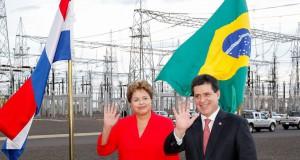 ジウマ大統領とパラグァイのカルテス現大統領(Foto: Roberto Stuckert Filho/PR, 29/out/2013)