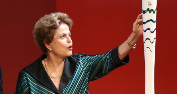 7月3日五輪聖火リレー用トーチ発表イベントでのジウマ大統領(Lula Marques/Agencia PT)