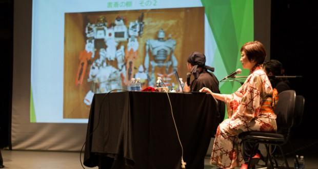 講演会中の和月さん(左)と黒碕さん(右)(国際交流基金提供)