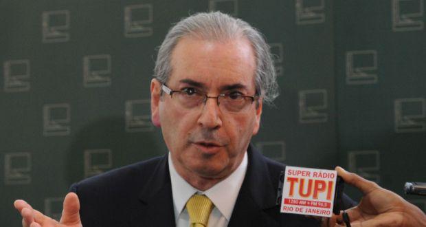少年法改正問題で記者団の質問に答えるクーニャ下院議長(Antonio Cruz/Agencia Brasil)