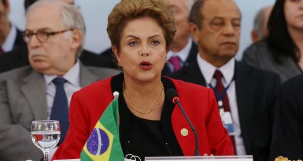 首脳会議で議長を務めるジウマ大統領(Lula Marques/Agência PT)