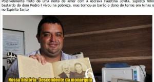ファリア氏の両親の写真が掲載されたページを開いた本を抱えた歴史家マテウス氏(この件を報じるサイトhttp://www.euamoipatinga.com.br/より)
