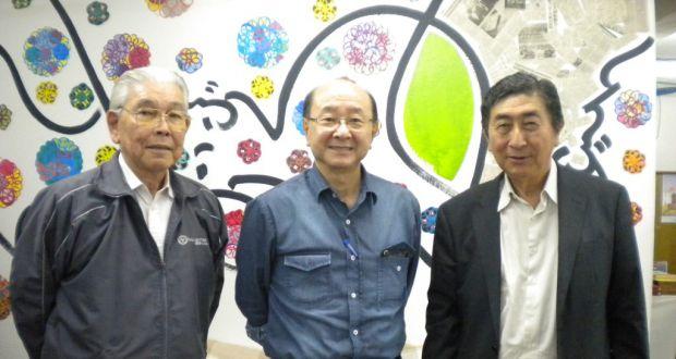 桂川委員長(右)ら