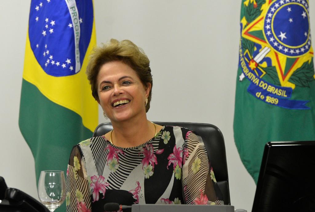 昨年3月より始まったラヴァ・ジャット作戦を始め、ブラジルの政治家たちに対する国民の不信は募るばかり。ジウマ大統領にも辞任を求める声が上っている。(FOTO:Wilson Dia/ Agencia Brasil)