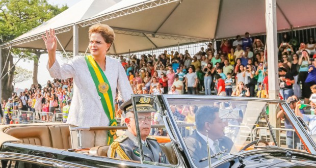 独立記念日記念式典でのジウマ大統領(Roberto Stuckert Filho/PR)
