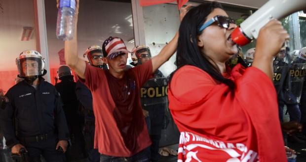 ブラジリアの農務省庁舎を占拠するデモ隊(Elza Fiuza/Agencia Brasil)