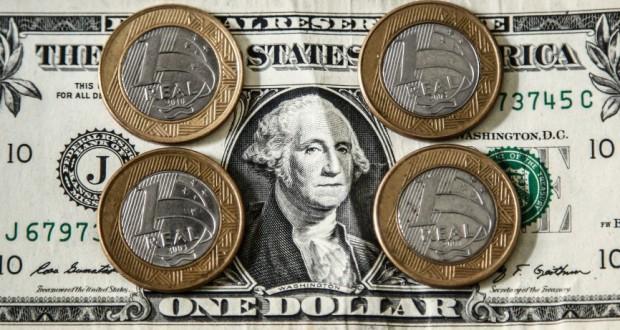 ドル・レアル相場が初めて1ドル=4レアルを突破(Rafael Neddermeyer/Fotos Publicas)