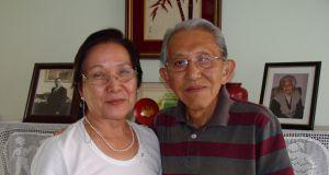 次男イサク(二世、当時77)とその妻節子さん(2011年4月16日撮影)