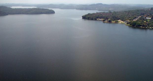 ビリングス湖(Hamilton B. Furtado)