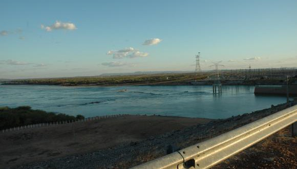 貯水量低下が著しいソブラジーニョ発電所ダム(Arquivo/Chesf)