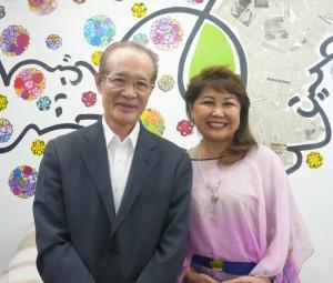 北川郎久さんとブラジル日本アマチュア歌謡連盟の北川好美会長