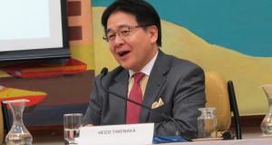 講演する竹中氏