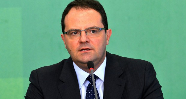 指名後初の記者会見にでるネルソン・バルボーザ新財務相(Wilson Dias/Agencia Brasil)