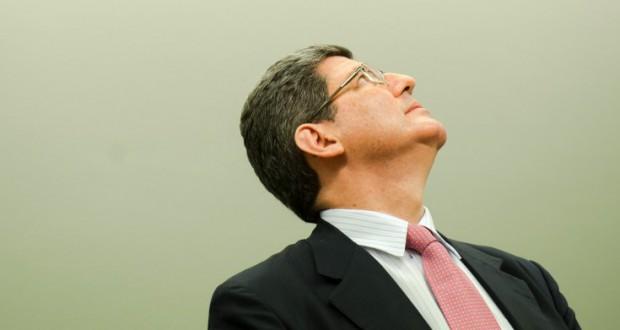 黒字目標額を下げられてもレヴィ財相は留まるか(Marcelo Camargo/Agencia Brasil)