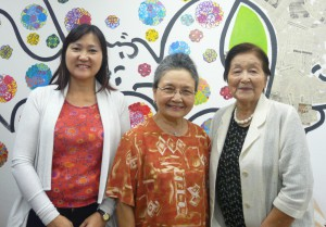 (左から)山田さん、森会長、松酒副会長