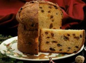 『パネトーネ』はイタリアミラノの銘菓で伝統的な菓子パンの一つ。イタリア移民によってブラジルにも伝わり、クリスマス前から親戚や友人に配る習慣がある。