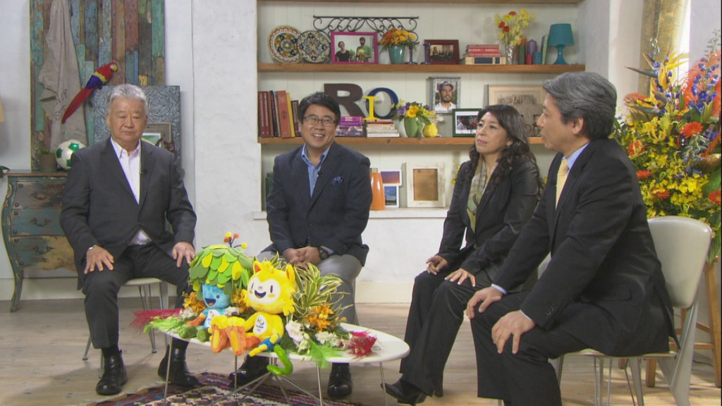 セルジオ越後、大越健介、小野リサ、輿石信男氏(左から)