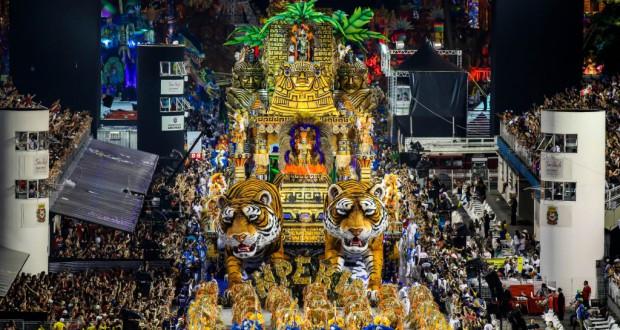 今年も多いに盛り上がった聖市サンバカーニバル(Paulo Pinto/LIGASP/Fotos Publicas)