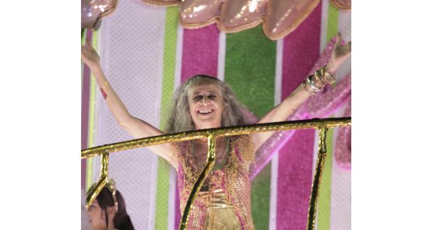 8日のマンゲイラのパレードでのマリア・ベターニア(Gabriel Santos/Riotur)