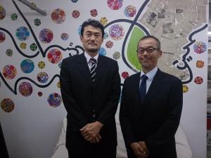 佐藤次長(左)と前任の遠藤さん