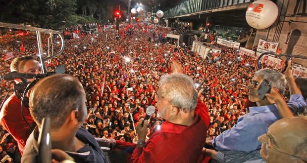 ピーク時で8万人を超える数が集ったPT支持のデモ(Ricardo Stuckert/Instituto Lula)