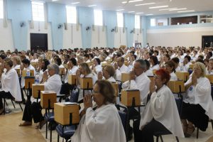 約500人の講師が招霊を行う(生長の家ブラジル伝道本部提供)