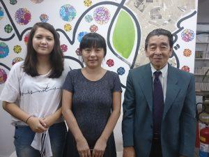(左から)鎌田親子、吉田さん