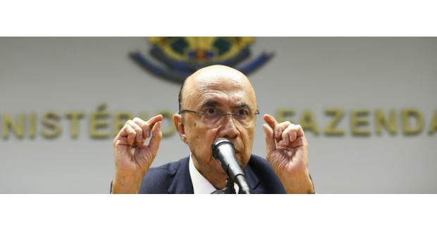 就任後初の記者会見で語るメイレーレス財相(Marcelo Camargo/Agência Brasil)